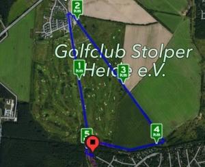 5 Kilometer um den Golfplatz.