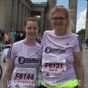 Unser erster Avon Frauenlauf. Meine Tochter Rieke und ich - vor dem Lauf.